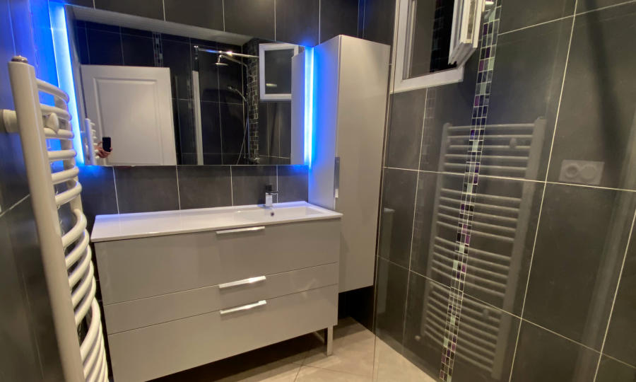 Read more about the article Installation meuble de salle de bain